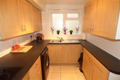 2 Bedrooms Bungalow for rent in Chalk End, Pitsea