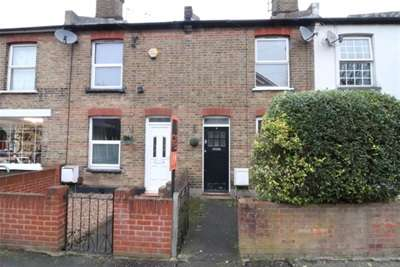 2 Bedrooms Terraced House for rent in New Writtle Street, Old Moulsham, Chelmsford, CM2 0RR