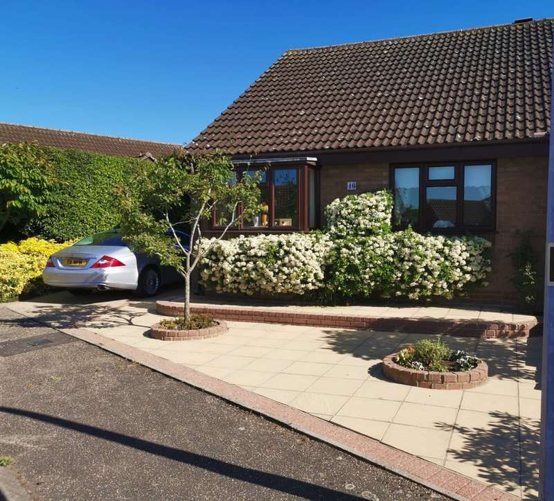 2 Bedrooms Semi Detached Bungalow for sale in Church View, Harleston