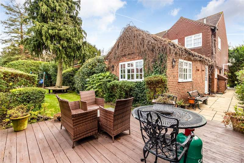 4 Bedrooms Detached House for sale in Links View Close, Stanmore, HA7