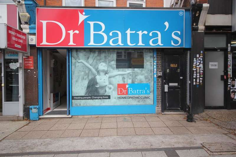 Shop Commercial for rent in High Road, Wembley