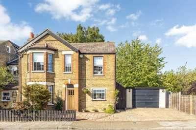 3 Bedrooms Detached House for sale in Bickley Crescent, Bickley, Kent, BR1