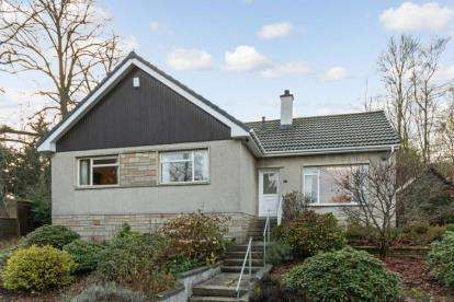 3 Bedrooms Bungalow for sale in Mote Hill, Hamilton, South Lanarkshire