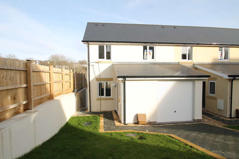 4 Bedrooms End Of Terrace House for sale in Dellohay Park