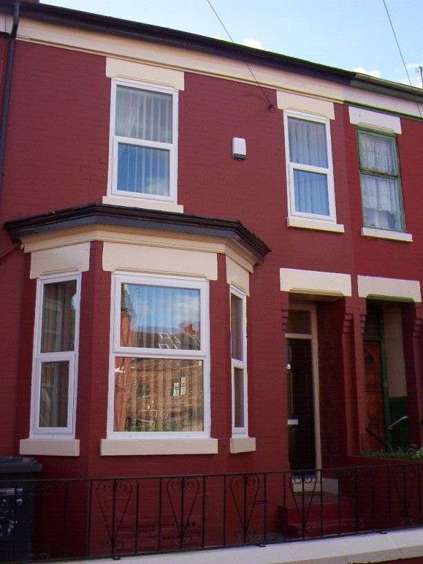 4 Bedrooms Terraced House for rent in Acomb Street Hulme, Manchester. M15 6FQ.