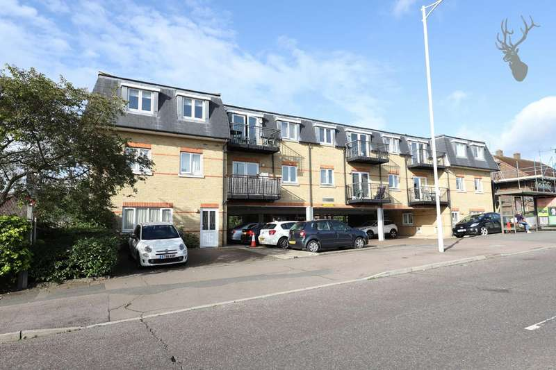 2 Bedrooms Flat for rent in Central Court, 88 Manford Way, Chigwell