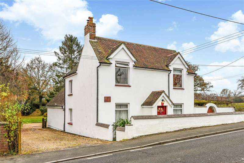4 Bedrooms Detached House for sale in Winchester Road, Petersfield, Hampshire, GU32