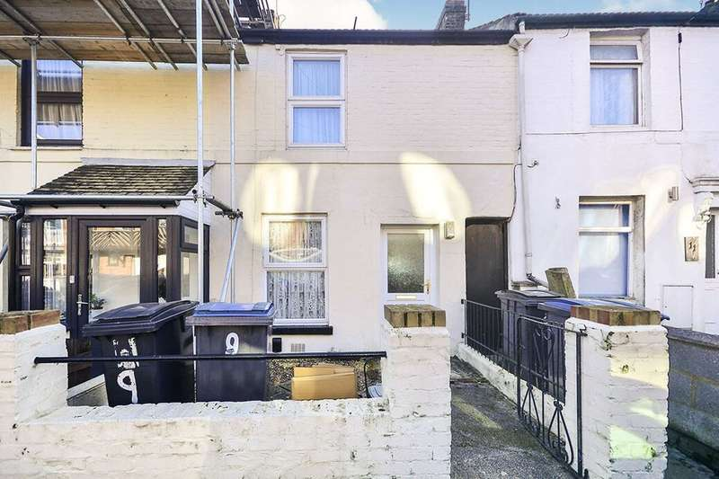 2 Bedrooms Property for rent in Edred Road, Dover, CT17