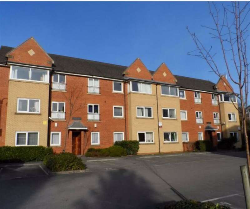 3 Bedrooms Flat for sale in Whiteoak Road, Fallowfield, Manchester, M14