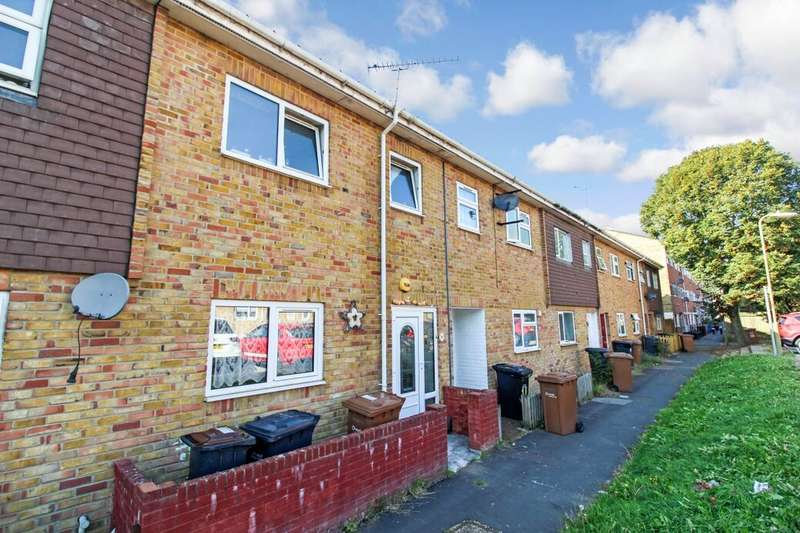 3 Bedrooms Property for sale in Launcelot Close, Andover, SP10