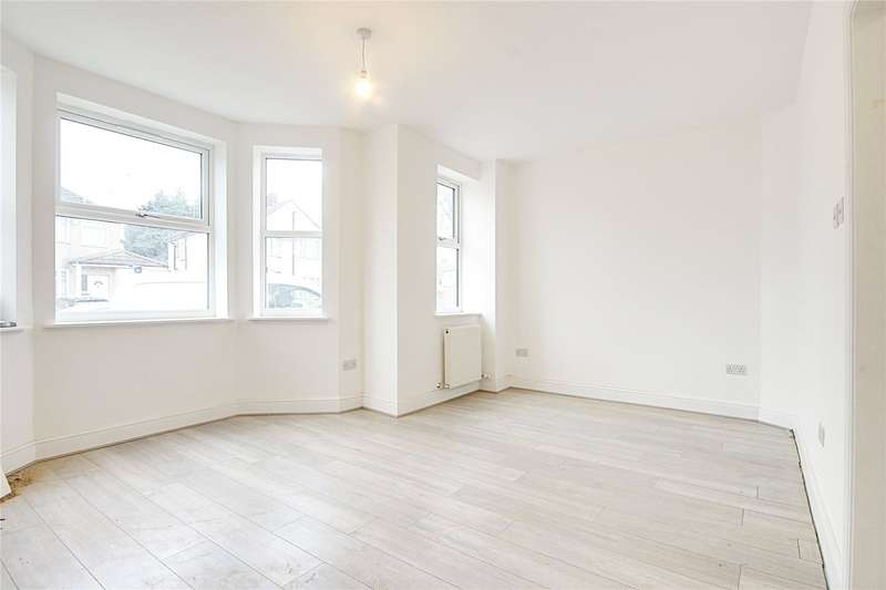3 Bedrooms End Of Terrace House for rent in Freemantle Avenue, Enfield, EN3