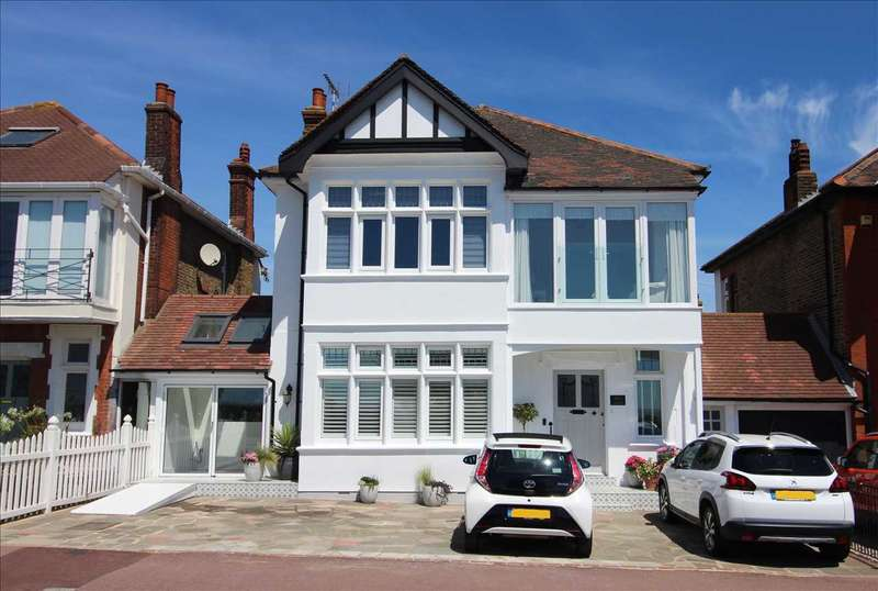 3 Bedrooms Apartment Flat for rent in Marine Parade, Leigh on Sea