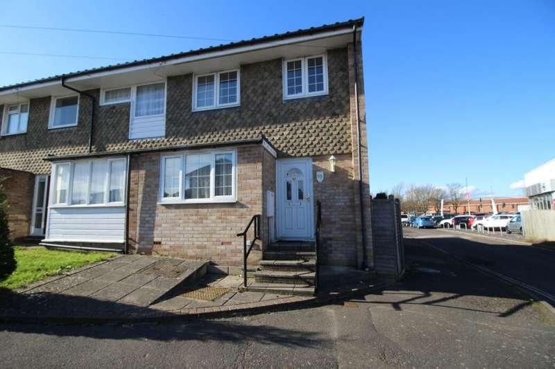 4 Bedrooms Semi Detached House for rent in Ivy Crescent, Bognor Regis, PO22