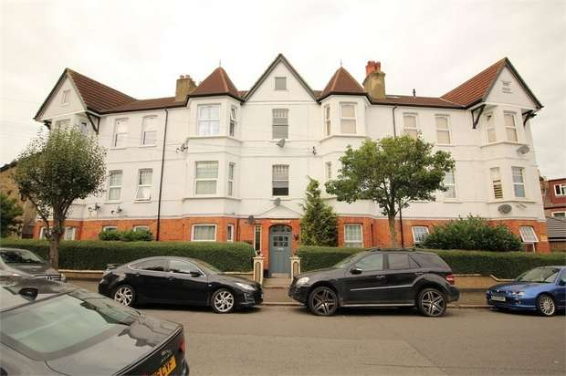 4 Bedrooms Flat for rent in Elliott House, Elliott Road, Thornton Heath, Surrey