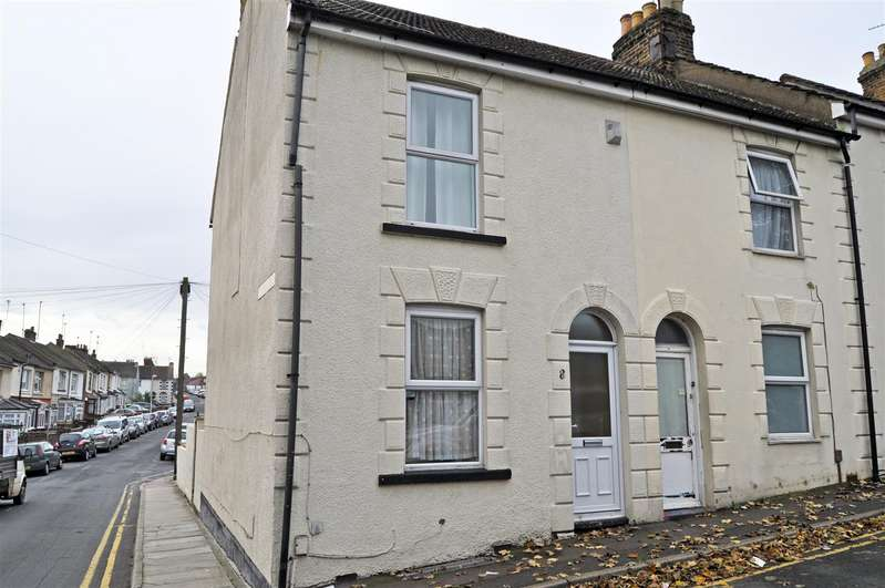 3 Bedrooms End Of Terrace House for rent in Clifton Road, Gillingham