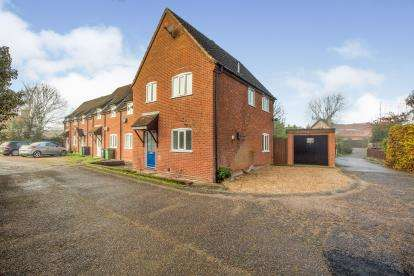 3 Bedrooms Semi Detached House for sale in Pople Street, Wymondham, Norfolk