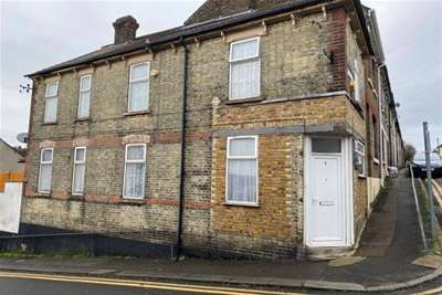3 Bedrooms End Of Terrace House for rent in Ingle Road, Chatham