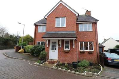 4 Bedrooms Detached House for rent in Swans Pasture, Springfield, Chelmsford