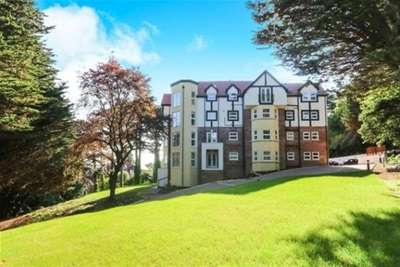 2 Bedrooms Flat for rent in Forest Hill, 53-55 Oak Drive, Colwyn Bay