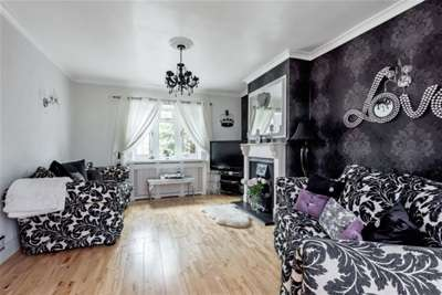 3 Bedrooms House for rent in Holmcroft Way, Bromley, BR2