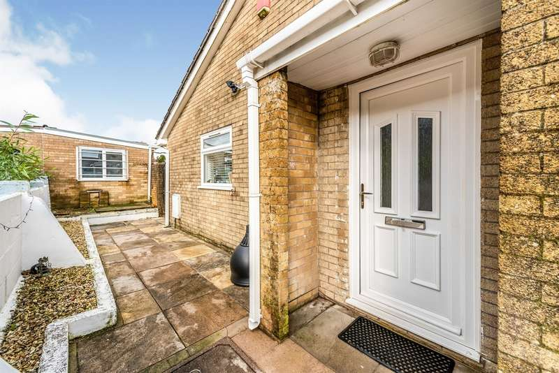 2 Bedrooms Semi Detached House for sale in Monmouth Drive, Merthyr Tydfil