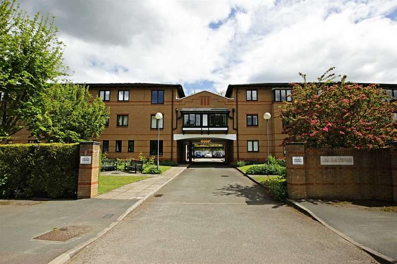 2 Bedrooms Apartment Flat for rent in Lake View, Railway Terrace, Kings Langley