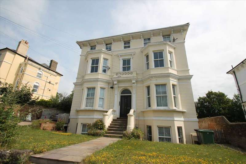 3 Bedrooms Apartment Flat for rent in Pevensey Road, St Leonards on Sea