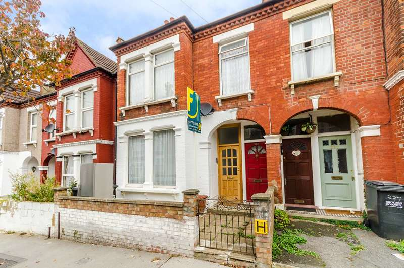 2 Bedrooms Flat for rent in Mersham Road, Thornton Heath, CR7