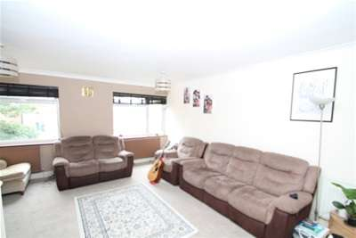 4 Bedrooms Terraced House for rent in Tresco Close, Bromley