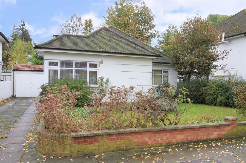 3 Bedrooms Detached Bungalow for sale in St. Thomas Drive, Pinner, HA5