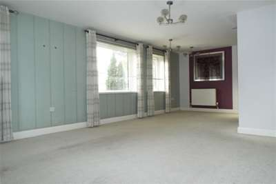 2 Bedrooms Flat for rent in London Road, Bicester