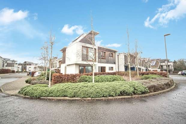 Flat for sale in Hartington Place, Letchworth Garden City, Hertfordshire, SG6 1FA