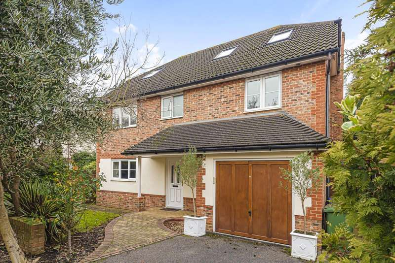 6 Bedrooms Detached House for sale in Scott Farm Close, Thames Ditton, KT7