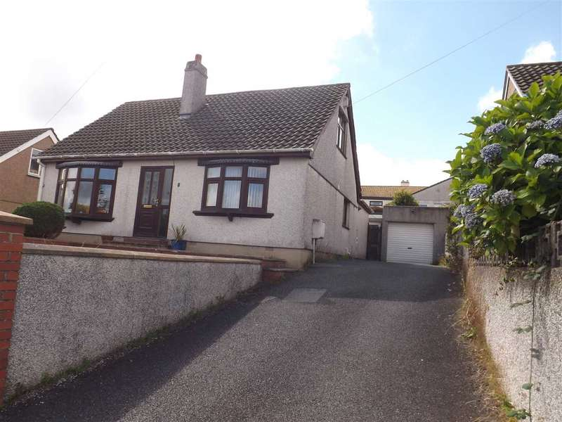 5 Bedrooms Detached House for rent in Pentire Road, Penryn