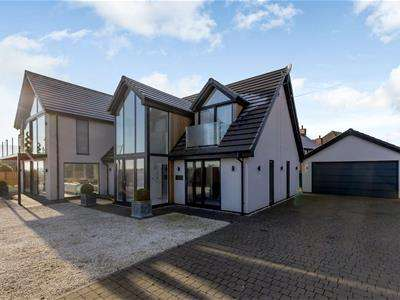 4 Bedrooms Detached House for sale in Green Lane, Hyde Lea, Stafford