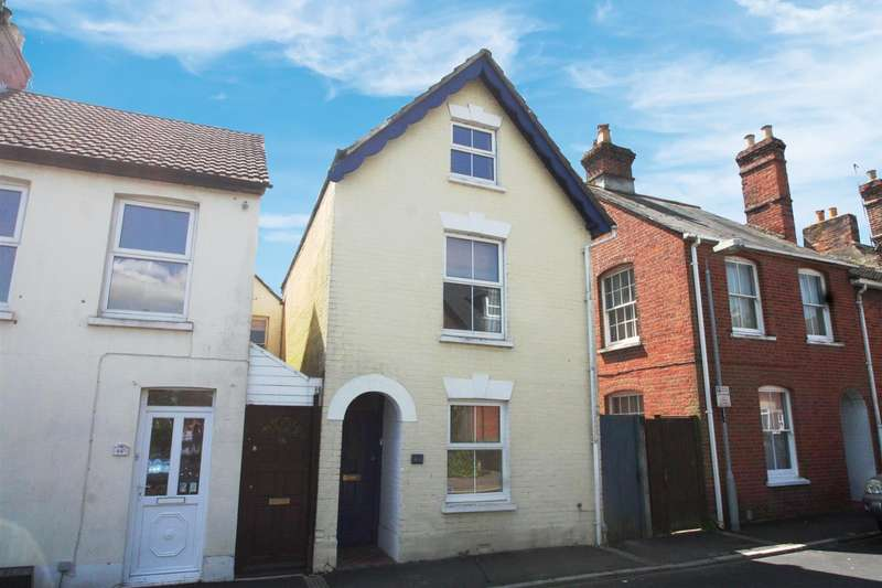 4 Bedrooms Detached House for rent in SALISBURY - Waterloo Road