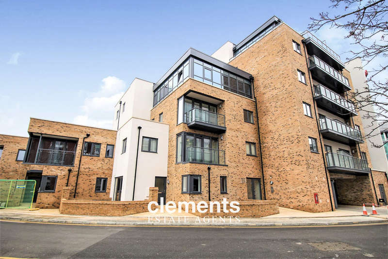 2 Bedrooms Flat for rent in Watford Town Centre, HERTS
