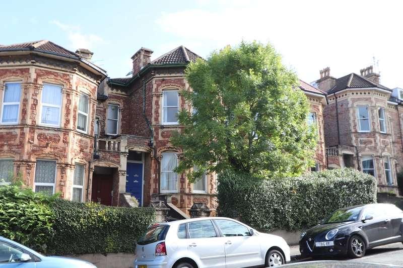 5 Bedrooms House for rent in Hampton Road, Bristol, BS6