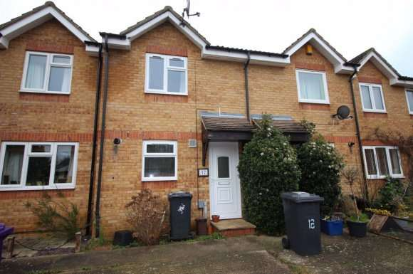 2 Bedrooms Terraced House for rent in Talisman Street, Hitchin