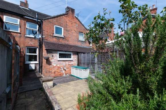 2 Bedrooms Terraced House for rent in Orts Road, Newbury, RG14