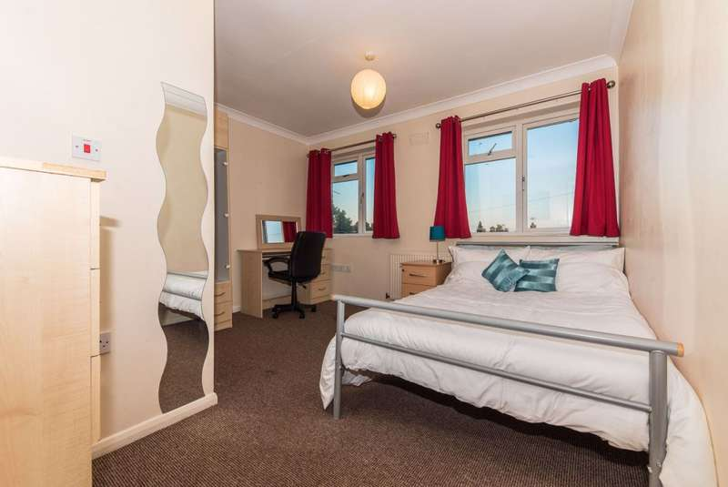 6 Bedrooms House for rent in Kent Avenue, Canterbury