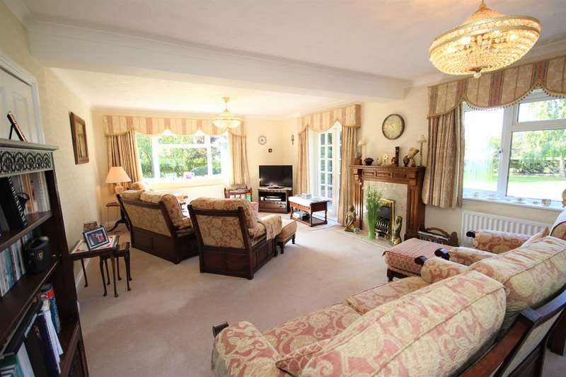 4 Bedrooms Detached House for sale in Fordfield Road, Millbrook, Bedford, MK45
