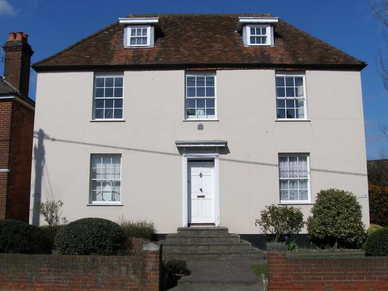 2 Bedrooms Maisonette Flat for rent in Winchester House, 112-114 Winchester Road, Romsey, Hampshire, SO51