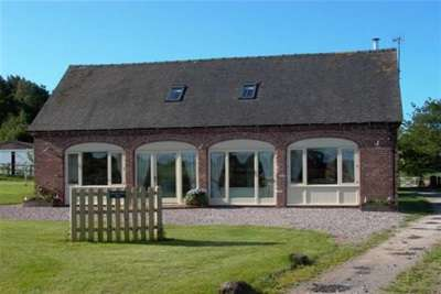 2 Bedrooms Barn Conversion Character Property for rent in Newton Hurst Barn, Dapple Heath. Rugeley. WS15 3PQ