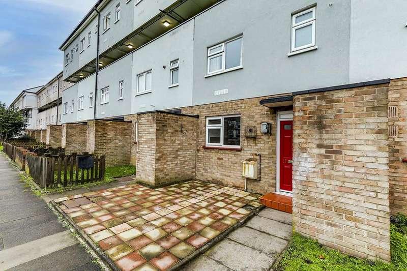 3 Bedrooms Flat for sale in Old Road, Enfield, London, EN3