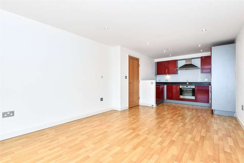 2 Bedrooms Apartment Flat for rent in The Courtyard, Southwell Park Road, Camberley, Surrey, GU15