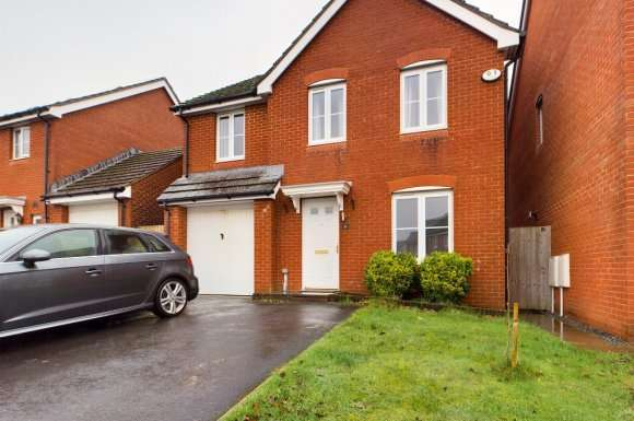 4 Bedrooms Detached House for rent in Dol Y Dderwen, Swansea, SA18