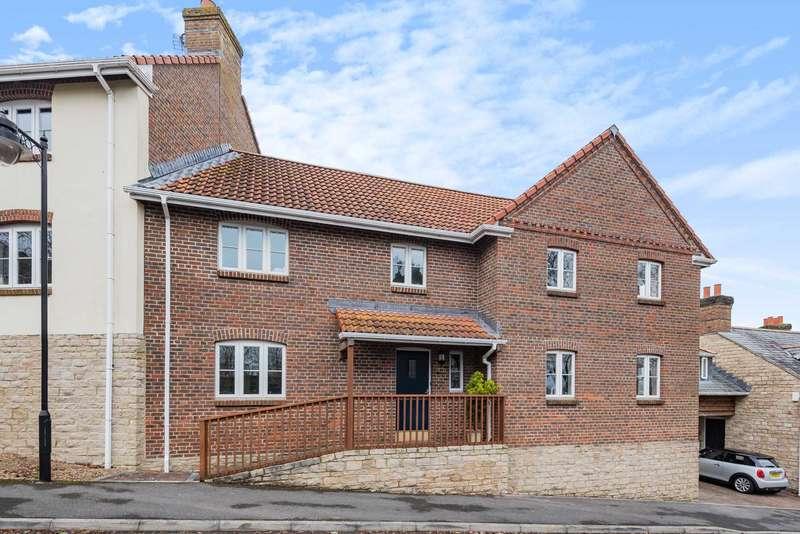 3 Bedrooms Semi Detached House for sale in Woodroffe Meadow, Lyme Regis