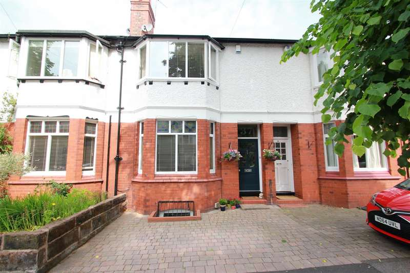 3 Bedrooms Terraced House for rent in Westgate, Hale, WA15 9AY.