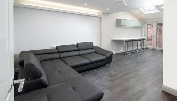 5 Bedrooms Terraced House for rent in Spa Road, Preston, PR1